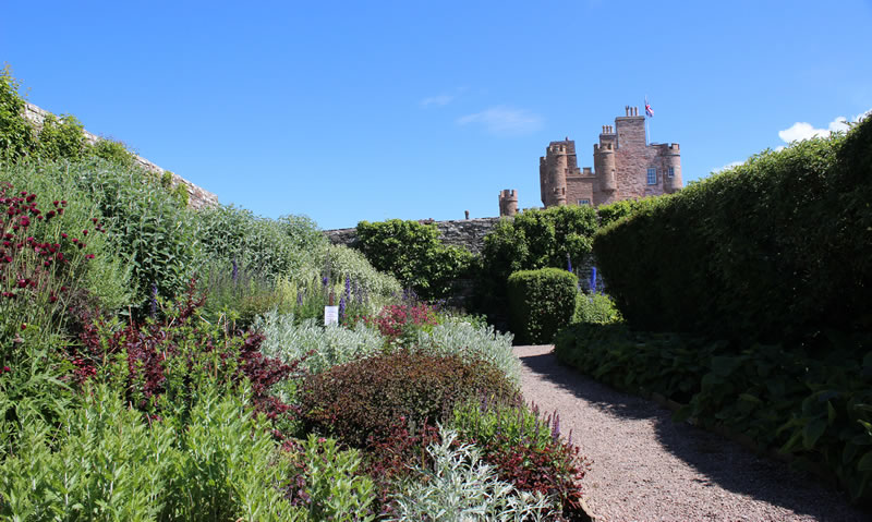 Picture of the walled garden next to the Castle of Mey